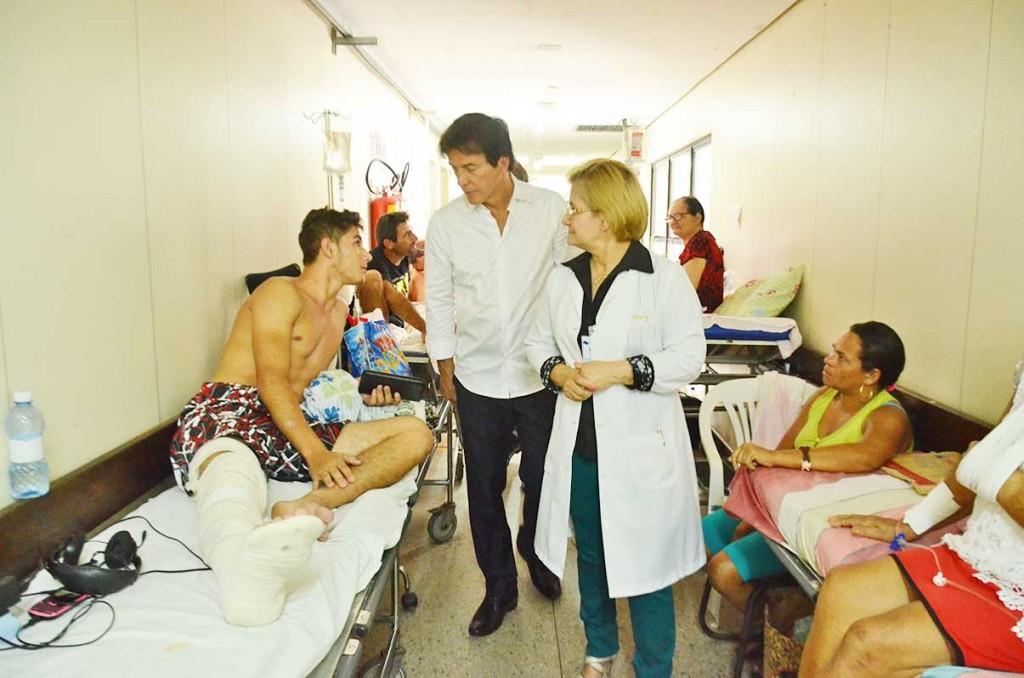 Visita-do-governador-e-sec-de-saude-ao-Hospital-Walfredo-Gurgel-JA-192-1024x678