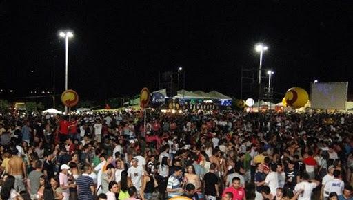CONFIRA AS ATRAÇÕES DO CARNAVAL DA ILHA DE SANT'ANA