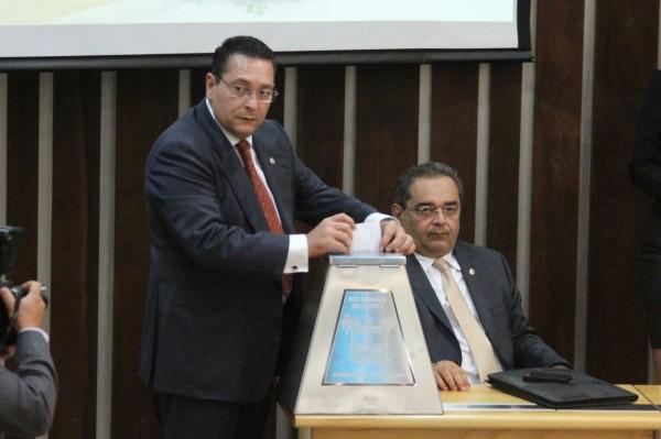 EZEQUIEL FERREIRA É ELEITO À UNANIMIDADE PRESIDENTE DA ASSEMBLEIA