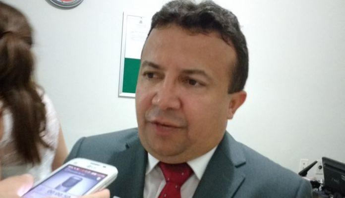 vereador-odair-eleito-presidente-da-camara-disse-que-pretende-mudar-acentos-do-plenario
