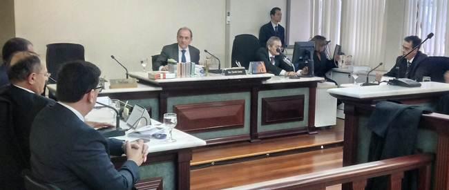 Governo-do-Estado-se-compromete-a-regularizar-pagamento-da-Farmácia-Básica-aos-municípios