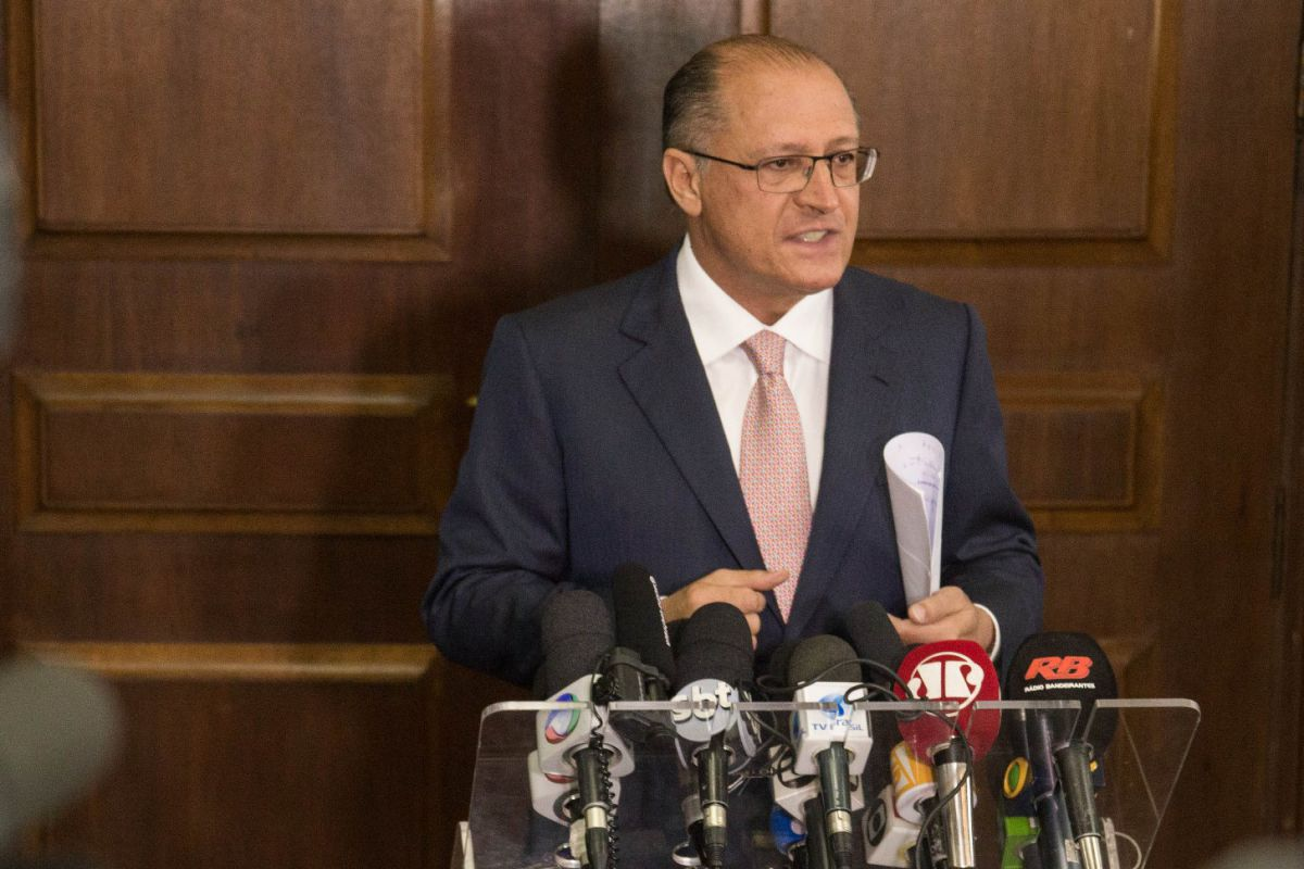 04/12/2015- São Paulo- SP- Brasil- O governador Geraldo Alckmin anunciou nesta sexta-feira (4) o adiamento da reorganização escolar. A coletiva foi realizada no Palácio dos Bandeirantes.