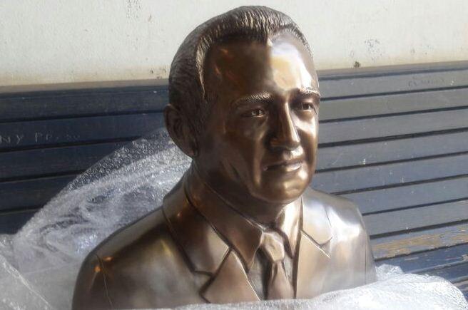 busto-dr.chiquinho