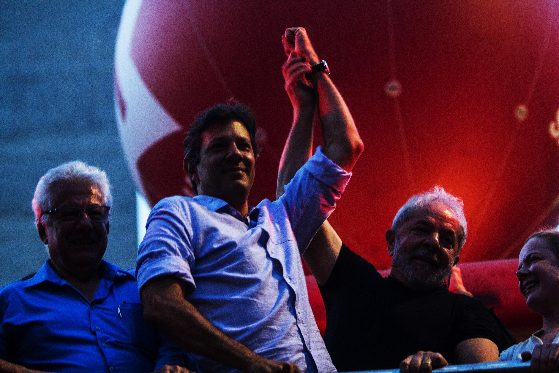 O ex-prefeito de São Paulo, Fernando Haddad (PT), no ato pró-Lula na Praça da República em São Paulo