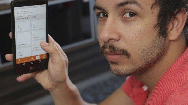"""Douglas Nunes, de 27 anos: """"Há mais de quatro anos, não realizo transações no meu banco"""""""