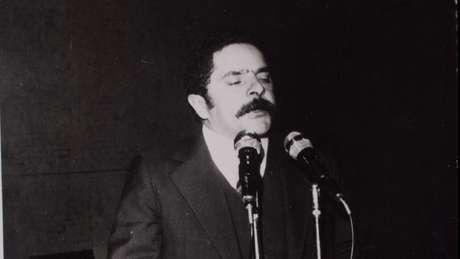 Em 1980, a prisão de Lula ocorrera sem mandado judicial.
