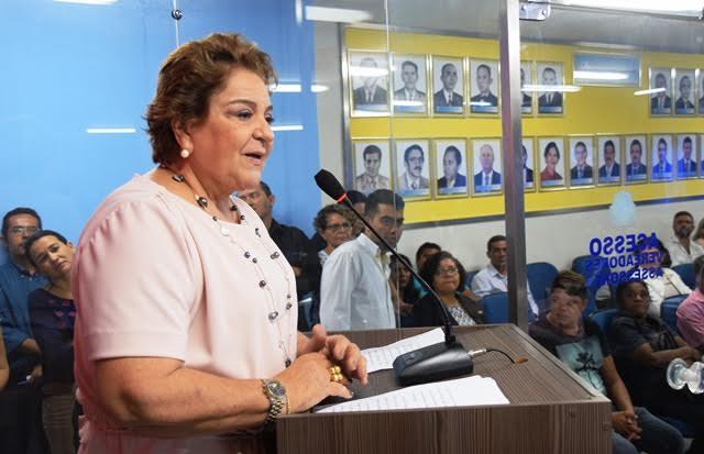 Sandra-Rosado-na-tribuna-da-Câmara-Municipal-de-Mossoró