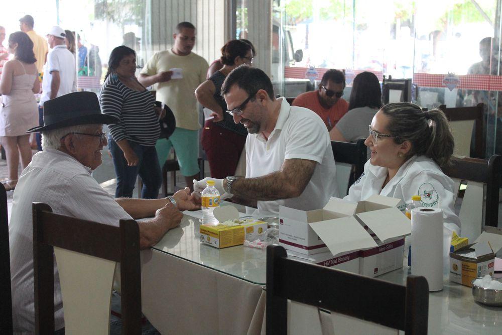Foto: Arquivo de ação de saúde sendo realizada no Restaurante e pizzaria Ponto Certo