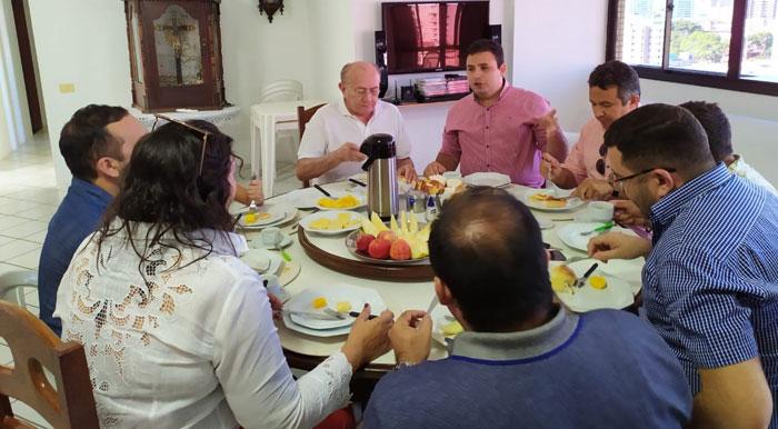 Vivaldo-Costa-e-Dr.-Tadeu-tiveram-reunião-com-vereadores-de-Caicó