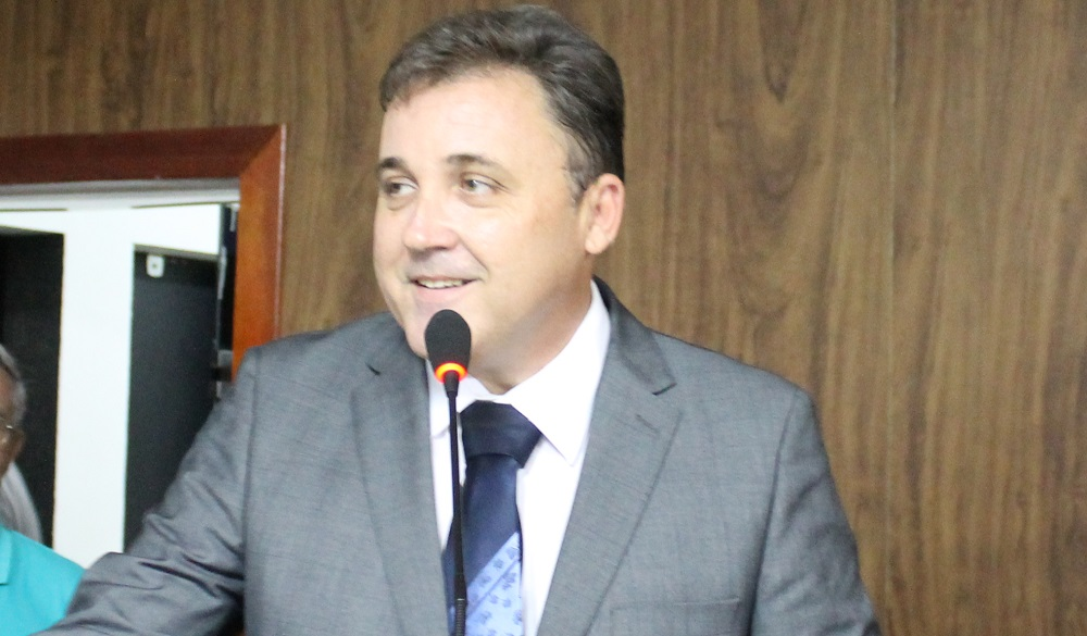 Resultado de imagem para prefeito de caico Batat